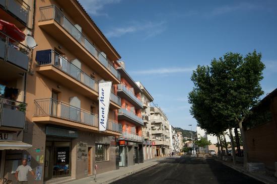 Hotel Montmar : Strada