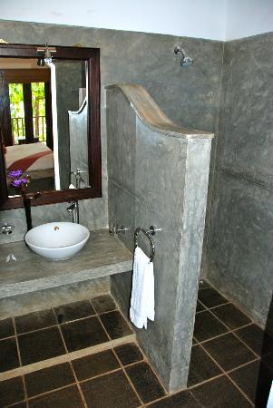 Kingfisher Hotel : salle de bains