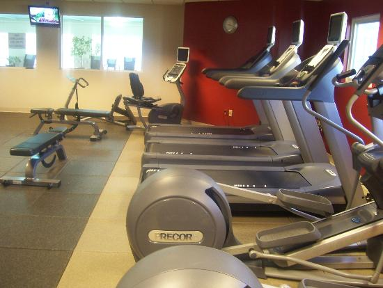DoubleTree by Hilton Hotel Burlington: gym