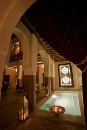 Zamzam Riad: Courtyard and pool