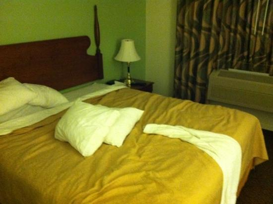 Quality Inn Tulare: this is what room service looks like.