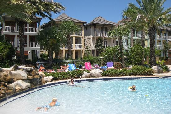Villages of Crystal Beach: Homes sitting across from the pool area