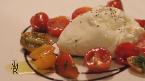The Milias Restaurant: Fresh Buratta Mozzarella with tomatoes and local olive oil