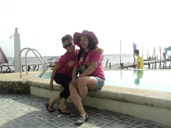 Ronco Beach Resort : at pool