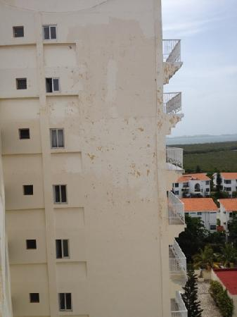 Calypso Hotel: maintenance wasn't invited to the party