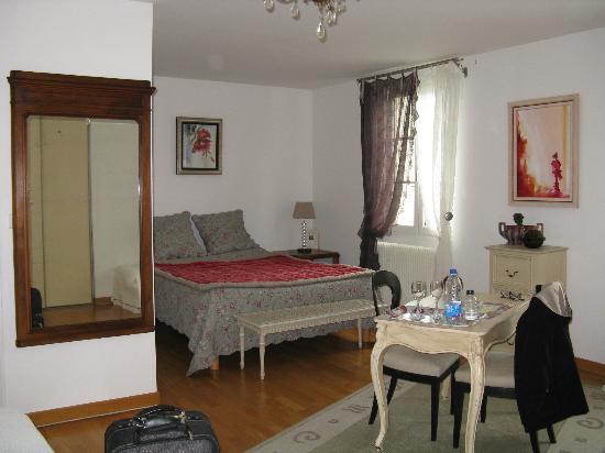 La Grange Chambres: Room