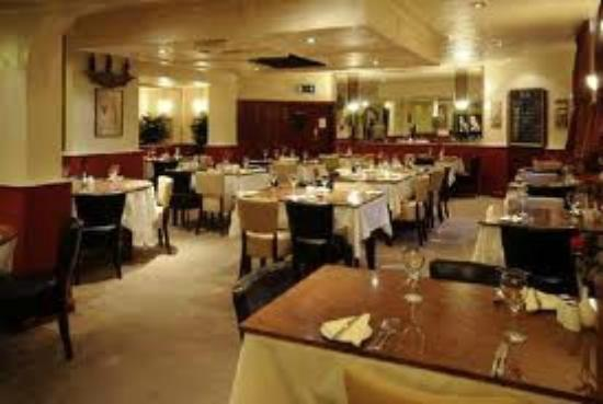 Julio's Italian Restaurant: comfortable dining area