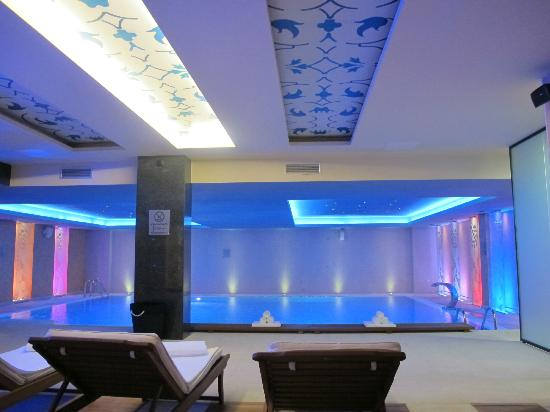 Hotel Bristol Sarajevo: Relaxing at the pool, hotel Bristol