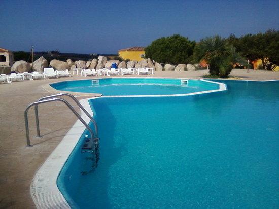 Vignola, Italia: la piscina del residence