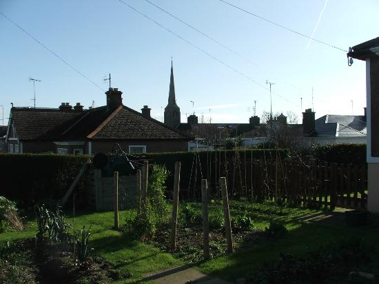 Cuasnog B&B/Self Catering Apartment: View from garden to Wexford Town