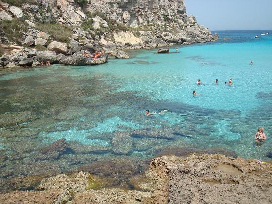 Meravigliosa cala rossa picture of isola di favignana for Calla rossa