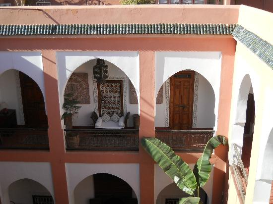 Riad Barroko: Upper part of patio