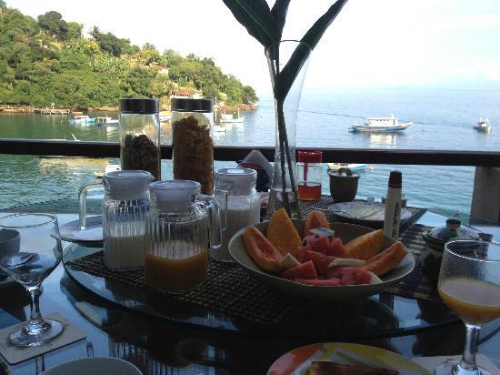 Vila Pedra Mar: Breakfast.
