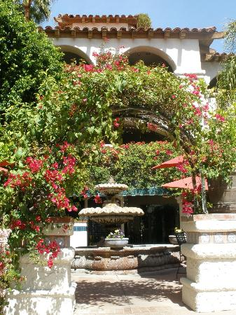 BEST WESTERN PLUS Las Brisas Hotel: Courtyard area
