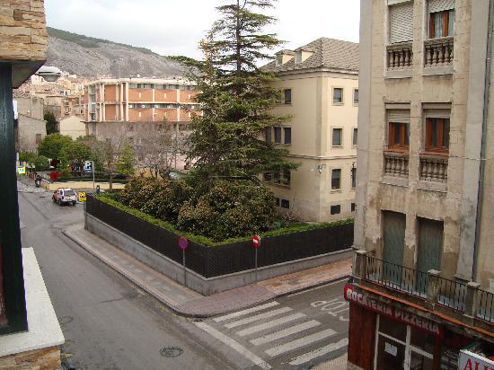 Hostal Canovas : Vista a un lado
