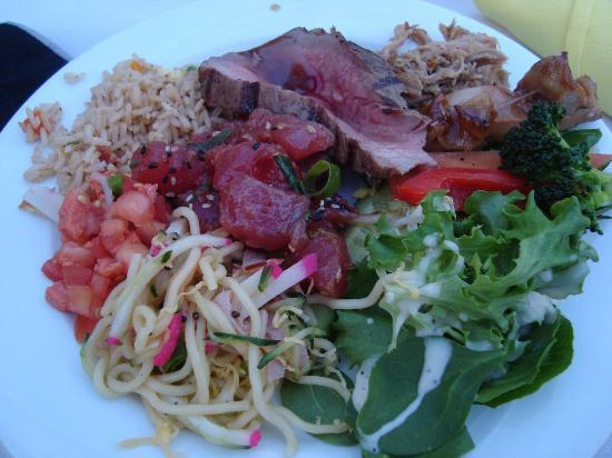 Waikiki Starlight Luau: buffet food