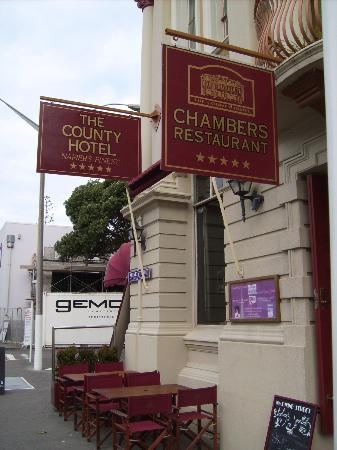 The County Hotel Napier: Hotel entrance
