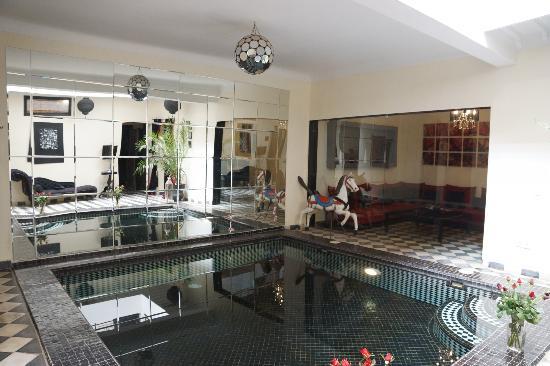 Riad Elizabeth: Main reception & plunge pool