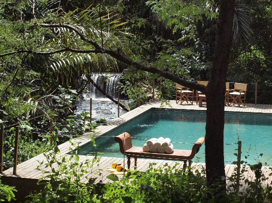 Rhino River Camp: Mid-day heaven
