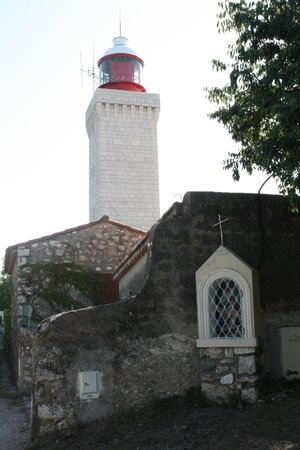 ‪Garoupe Lighthouse (Phare de la Garoupe)‬
