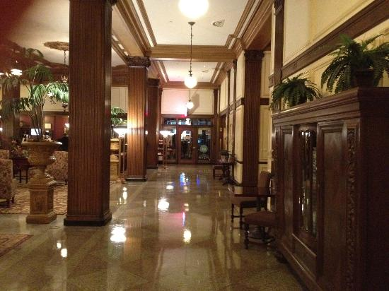 Marcus Whitman Hotel & Conference Center: The lobby.