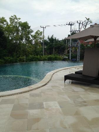 Mahagiri Villas Dreamland: resort pool