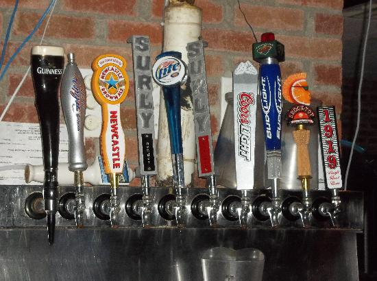 ZaZa's Pub & Pizzeria: A large selection of tap beer