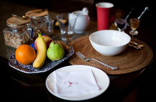 Bearsden Bed and Breakfast: Fresh fruit and muesli