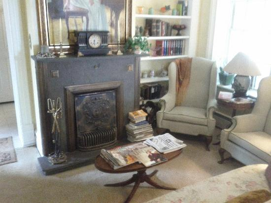 Yardley Inn and Spa : Downstairs Sitting room