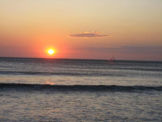 Hotel Bula Bula: Sunset at Playa Grande