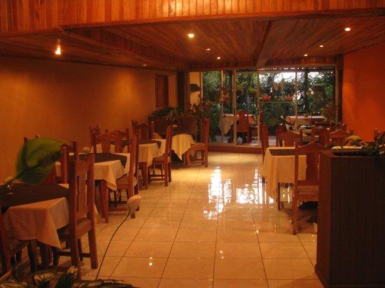 Hotel Jardines de Monteverde: comedor