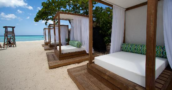 Sandy Haven Resort: Beach Cabanas