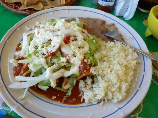 Vortex Cafe : Chicken enchiladas