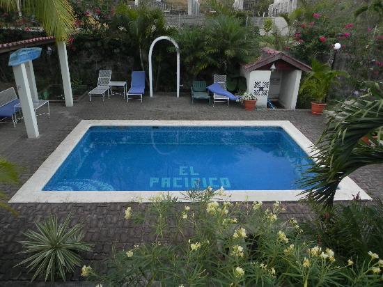 El Pacifico Hotel: Swim area