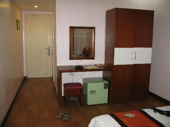 Hanoi Rendezvous Hotel: room