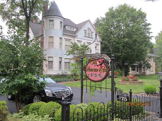 The Victorian Lady Bed & Breakfast: Victorian Lady B&B
