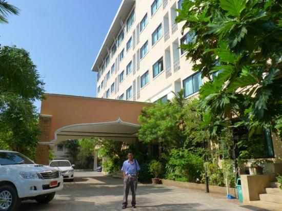 Princess Park Hotel : 6 story quality hotel