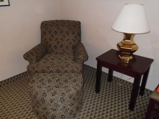 Wingate by Wyndham Atlanta Norcross: The chair is comfortable and very clean.