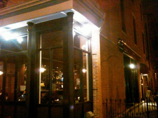 Le Pescadeux: Corner of 8th & Wythe