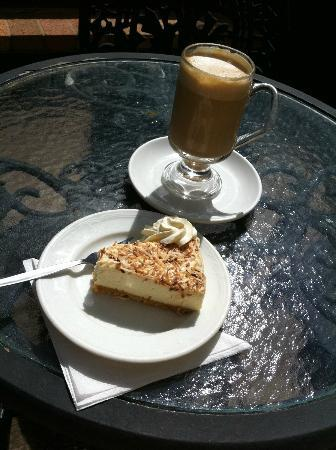 Tamborine Mountain Tours: Coffe n' cake from organic coffee farm. A must for coffee fiends like me!