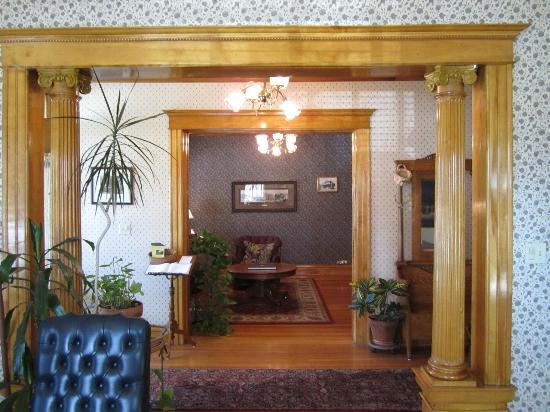 The Edwards House: Downstairs sitting area
