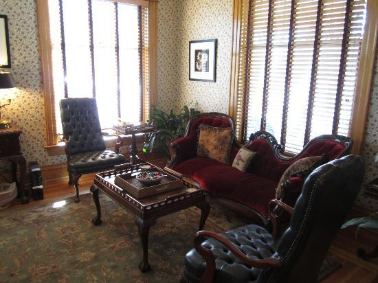 The Edwards House: Sitting area