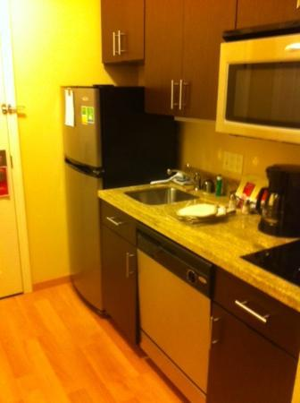 TownePlace Suites Sacramento Roseville: A nice kitchen area