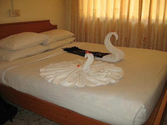 Deshadan Mountain Resorts: Bed room
