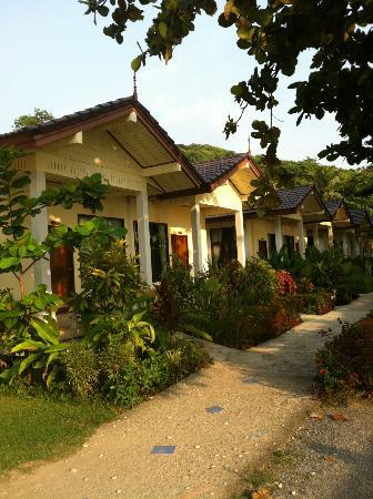 Amantra Resort & Spa: outside of the rooms
