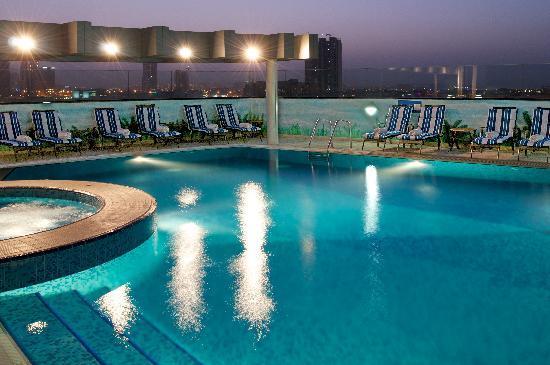 Ramada Chelsea Al Barsha: Relax by the poolside