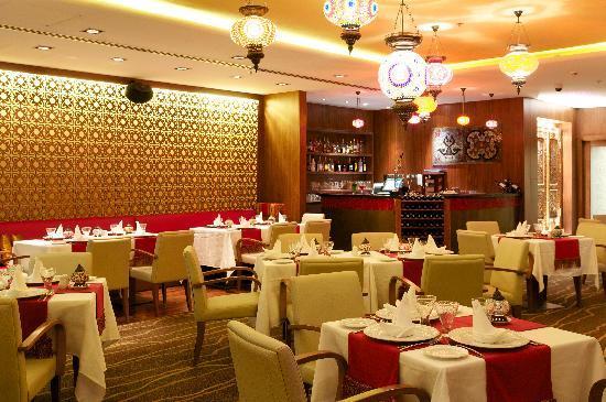 Ramada Chelsea Al Barsha: Indian cuisine and live music in Spice