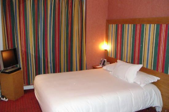 Holiday Inn Paris Elysees: Вид номера