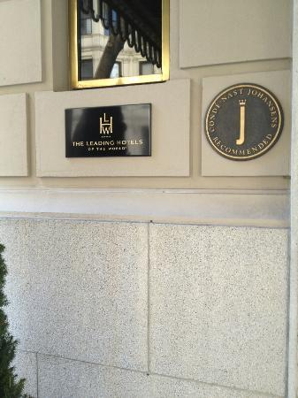 Hotel Plaza Athenee New York: LHW  sign