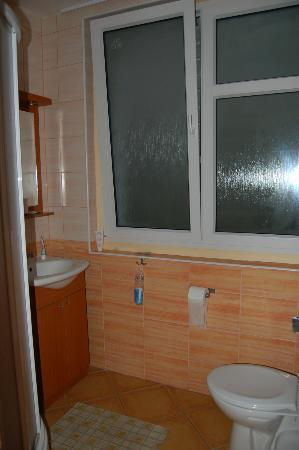 Bathroom Adeba hotel